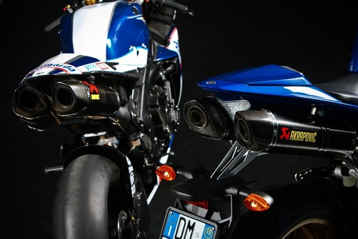 "Yamaha R1 2010 ""Akrapovic"" - Foto 5 di 16"