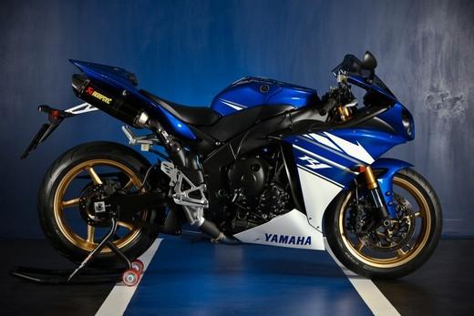 "Yamaha R1 2010 ""Akrapovic"" - Foto 6 di 16"