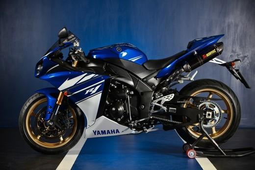 "Yamaha R1 2010 ""Akrapovic"" - Foto 7 di 16"