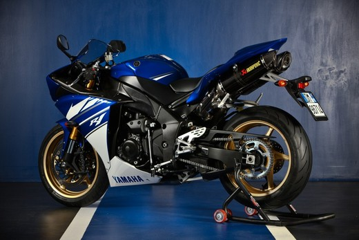"Yamaha R1 2010 ""Akrapovic"" - Foto 12 di 16"