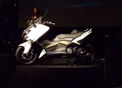Yamaha TMax - Foto 2 di 17