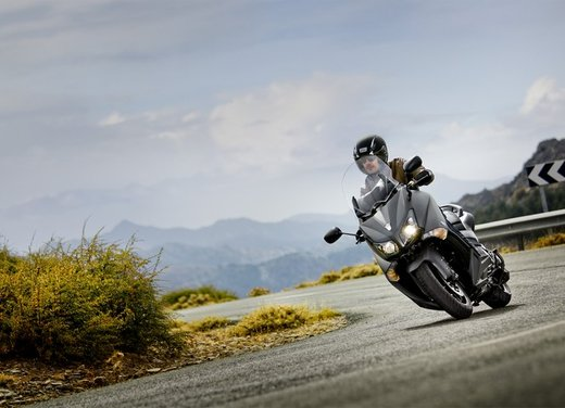 Yamaha TMax 530 vince il Red Dot Design Award 2012 - Foto 11 di 16