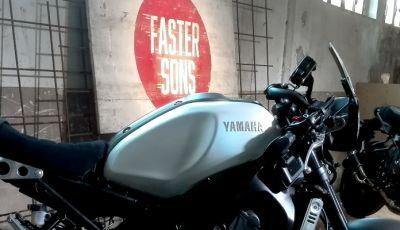 Yamaha XSR900 Fasters Sons: di corsa nel mito