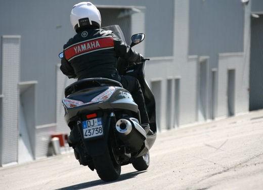 Yamaha Majesty 400 – Test Ride - Foto 19 di 33