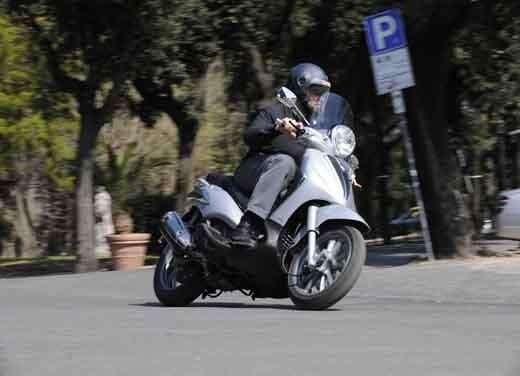 Piaggio Beverly Tourer 300 ie – Test Ride - Foto 4 di 5