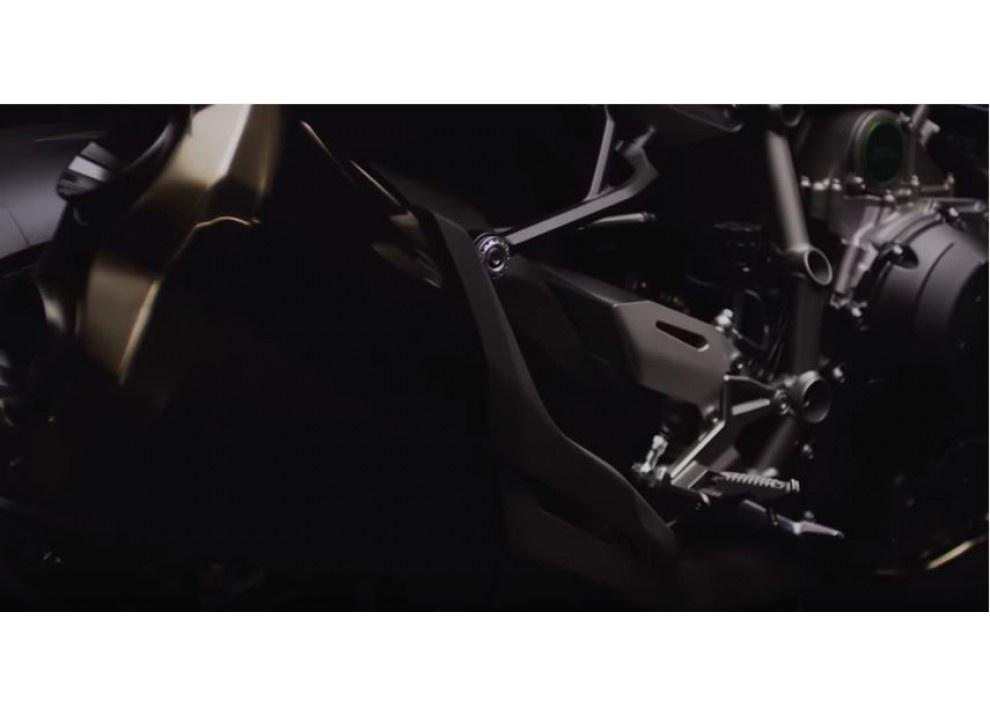 Annunciata con un video la Kawasaki Ninja H2 m.y. 2016 - Foto 6 di 9
