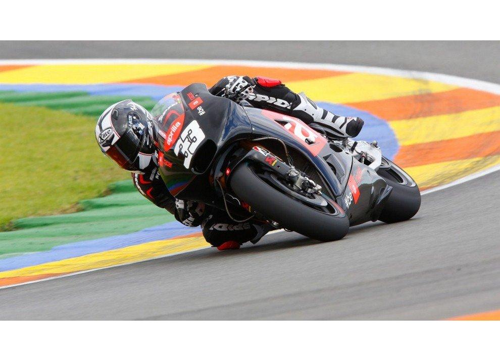Aprilia presenta RR RSV4 ed RSV4 RF ed entra ufficialmente in MotoGp con Melandri e Bautista