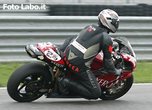 Ducati 999RS Superbike: Racing Test - Foto 8 di 18
