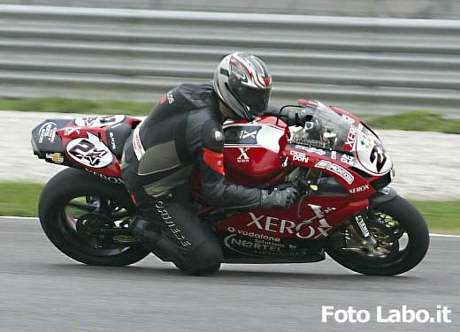 Ducati 999RS Superbike: Racing Test - Foto 9 di 18