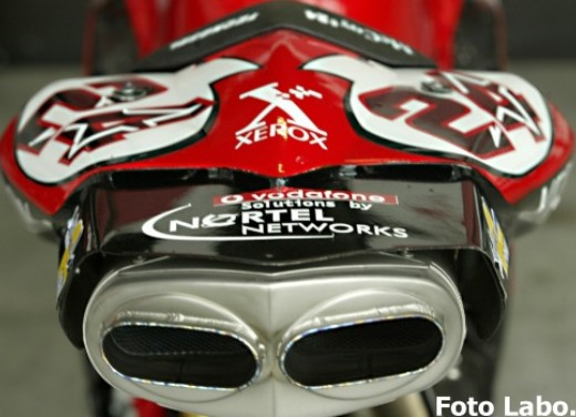 Ducati 999RS Superbike: Racing Test - Foto 16 di 18
