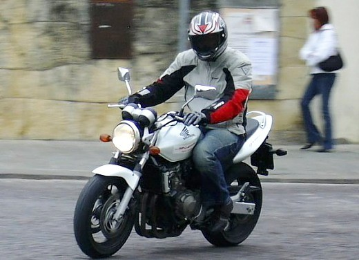 Honda Hornet 600 '04: Test Ride - Foto 2 di 3