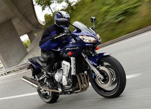 Yamaha Fazer 1000 - Foto 2 di 9