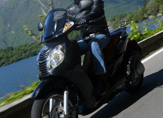 Malaguti Password 250: Test Drive - Foto 1 di 22