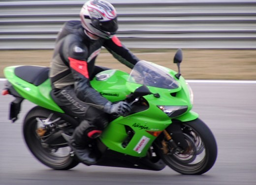 Kawasaki Ninja ZX-6R '05: Test Ride - Foto 4 di 17