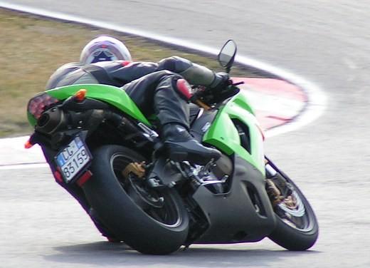 Kawasaki Ninja ZX-6R '05: Test Ride - Foto 6 di 17