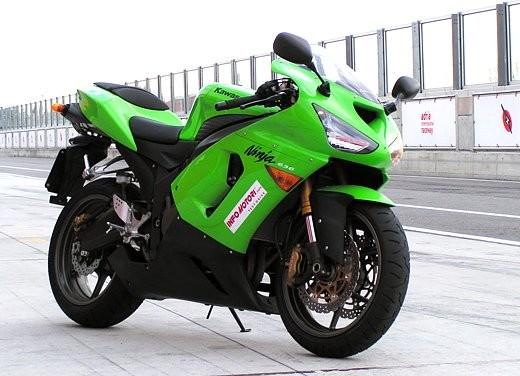 Kawasaki Ninja ZX-6R '05: Test Ride - Foto 8 di 17