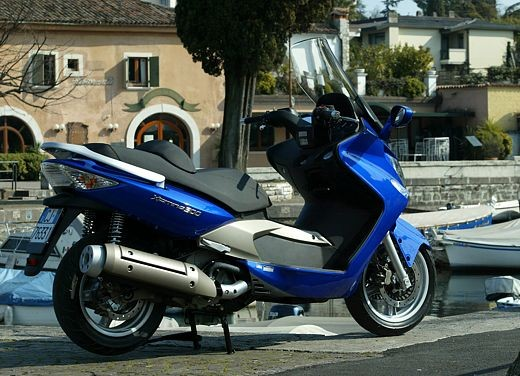 Kymco Xciting 500: Test Ride - Foto 8 di 11