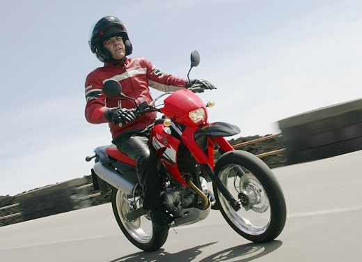 Yamaha XT125 X: Test ride - Foto 4 di 19