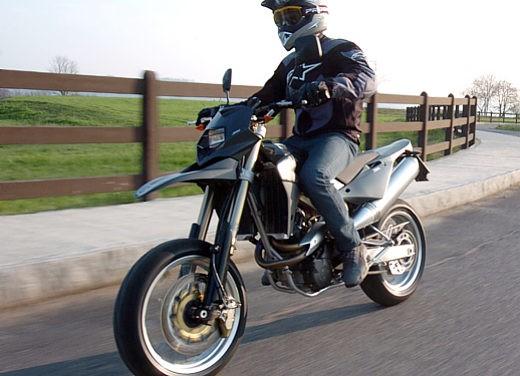 Husqvarna SM 610ie – Long Test Ride - Foto 46 di 48