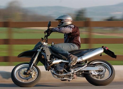 Husqvarna SM 610ie – Long Test Ride - Foto 45 di 48