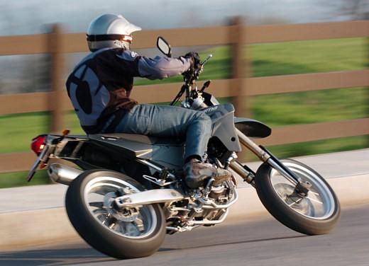 Husqvarna SM 610ie – Long Test Ride - Foto 44 di 48