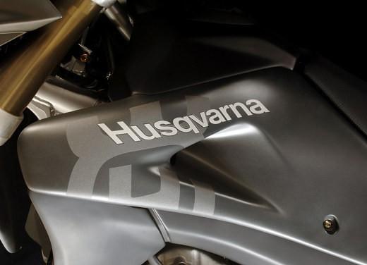 Husqvarna SM 610ie – Long Test Ride - Foto 37 di 48