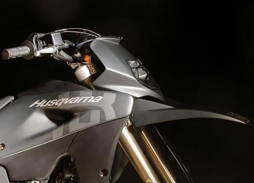 Husqvarna SM 610ie – Long Test Ride - Foto 33 di 48