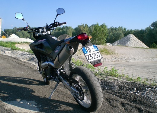 Husqvarna SM 610ie – Long Test Ride - Foto 29 di 48