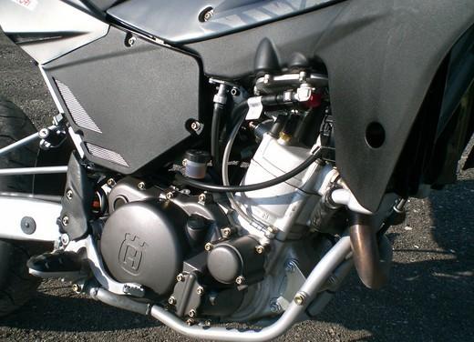 Husqvarna SM 610ie – Long Test Ride - Foto 11 di 48