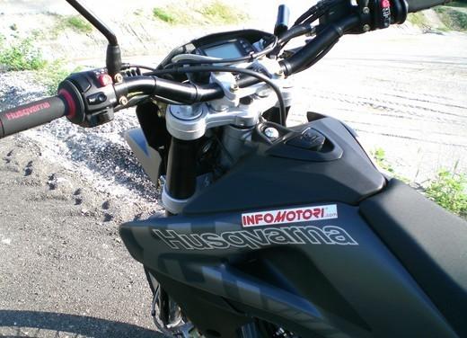 Husqvarna SM 610ie – Long Test Ride - Foto 16 di 48
