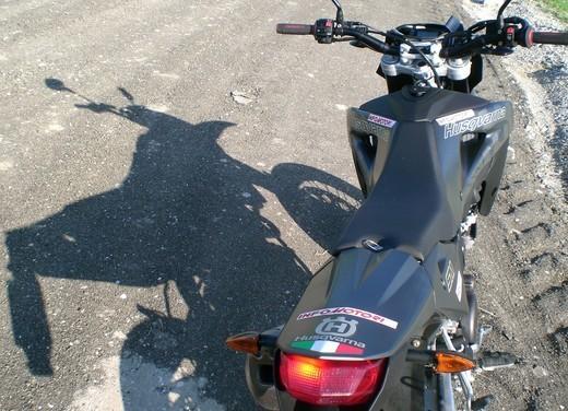Husqvarna SM 610ie – Long Test Ride - Foto 24 di 48