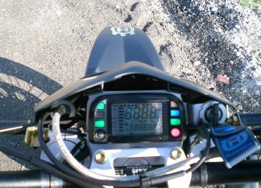 Husqvarna SM 610ie – Long Test Ride - Foto 26 di 48