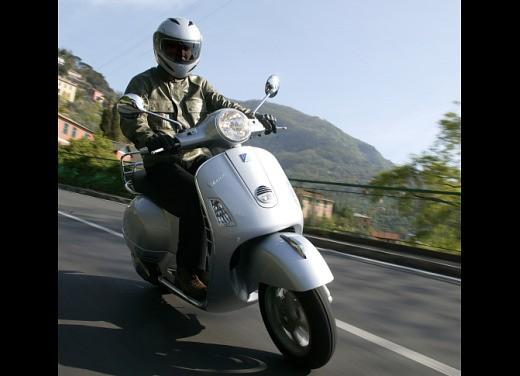 Nuova Vespa GTS 250: Test Ride - Foto 6 di 18