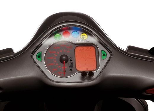 Nuova Vespa GTS 250: Test Ride - Foto 13 di 18