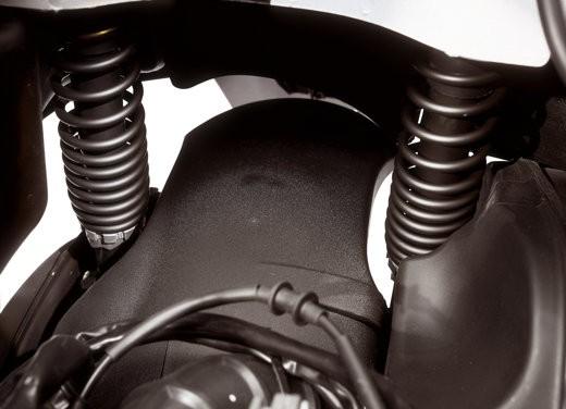 Nuova Vespa GTS 250: Test Ride - Foto 16 di 18