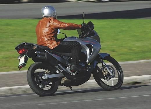 Honda XL650V Transalp 05 - Foto 7 di 15