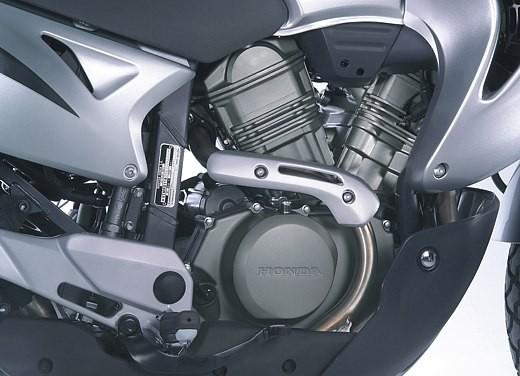 Honda XL650V Transalp 05 - Foto 10 di 15