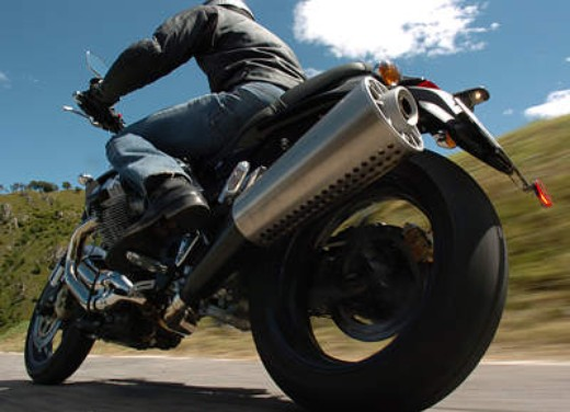 Moto Guzzi Griso 1100: Test Ride - Foto 16 di 35