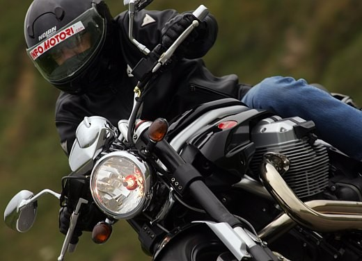 Moto Guzzi Griso 1100: Test Ride - Foto 8 di 35