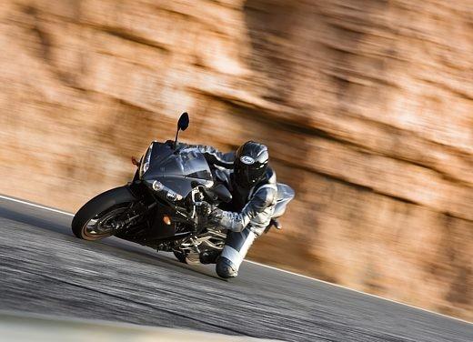 Yamaha R1 2006 - Foto 6 di 17