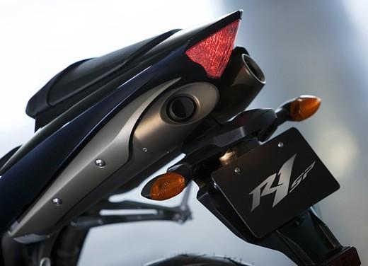 Yamaha R1 2006 - Foto 15 di 17