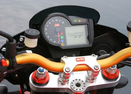 Aprilia Tuono 1000 R M.Y.07 – Test Ride - Foto 7 di 56