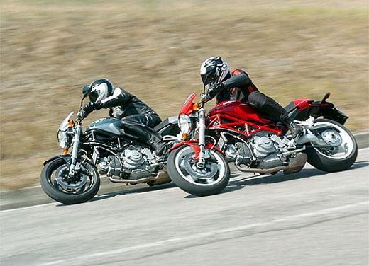 Ducati Monster S2R 1000 - Foto 10 di 17