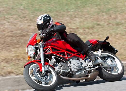 Ducati Monster S2R 1000 - Foto 11 di 17
