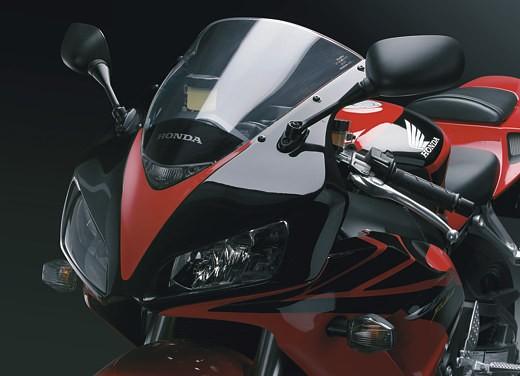 Honda CBR 1000RR Fireblade 2006 - Foto 10 di 14