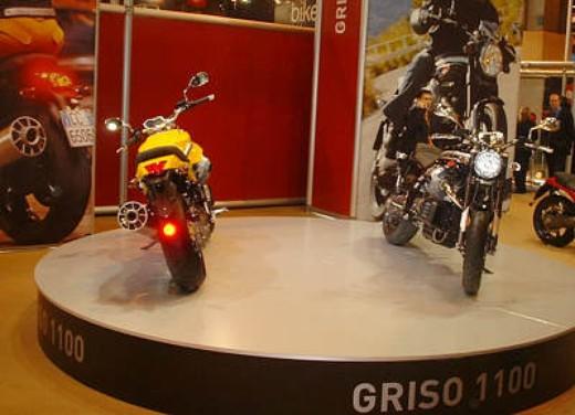 Moto Guzzi al Salone di Parigi 2005 - Foto 5 di 7