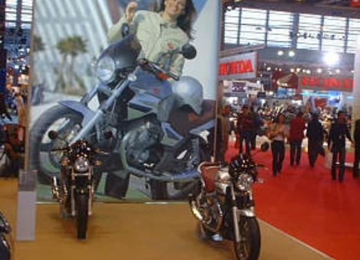 Moto Guzzi al Salone di Parigi 2005 - Foto 6 di 7