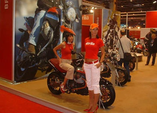 Moto Guzzi al Salone di Parigi 2005 - Foto 7 di 7