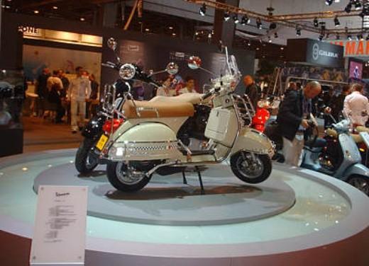 Vespa al Salone di Parigi 2005 - Foto 1 di 7