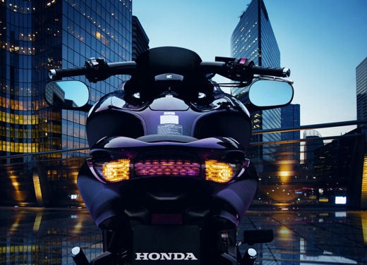 Honda DN-01 - Foto 27 di 34